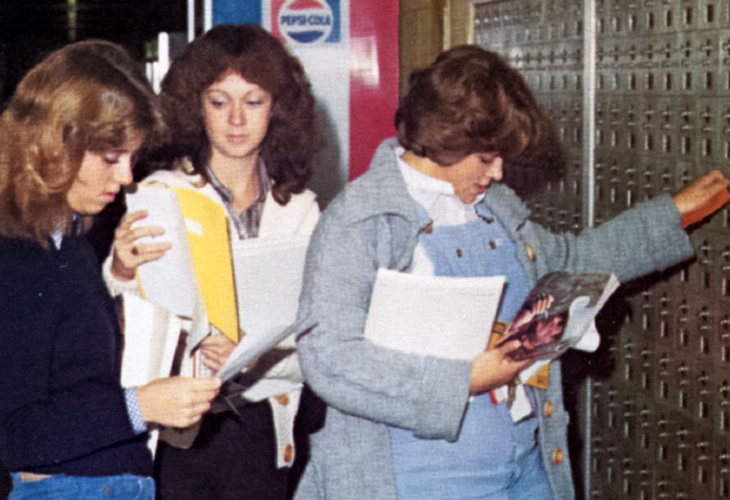 1981 students at lockers